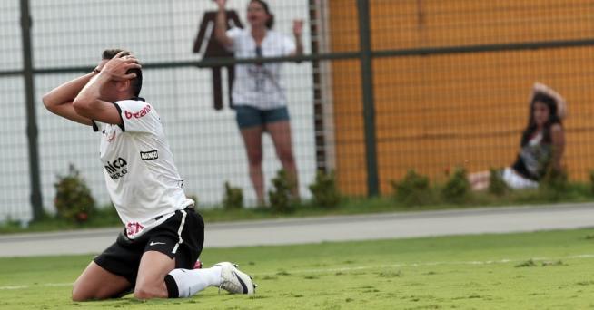Corinthians teve oportunidade de virar a partida, mas acabou somente com o empate na tarde de hoje