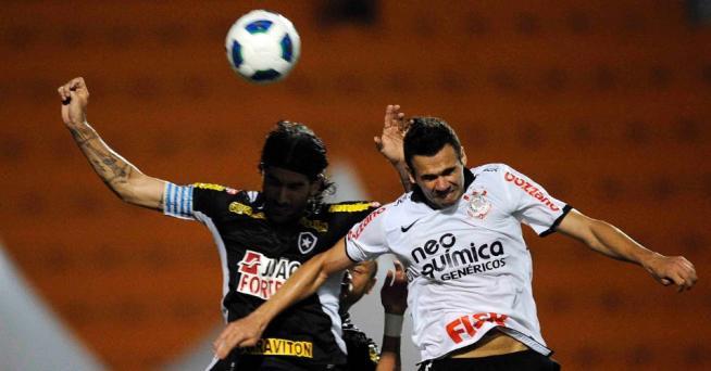 Foram 20 escanteios pro Corinthians, contra 1 para o Botafogo, mas a bola não entrou