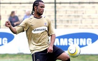 Carlos Alberto pode voltar ao Corinthians