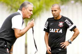 Emerson do Corinthians durante treino/SP