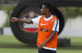 Moisés no treino do Corinthians no CT Joaquim Grava