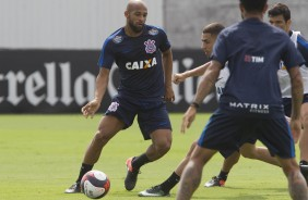Fellipe Bastos no treino do Corinthians no CT Joaquim Grava