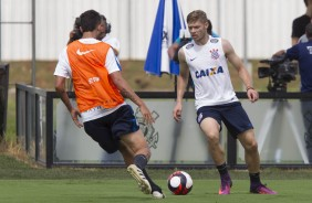 Mendoza no treino do Corinthians no CT Joaquim Grava