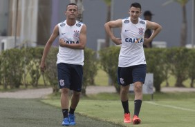 Luidy e Mantuan no treino do Corinthians no CT Joaquim Grava