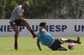 Fellipe Bastos e Warian no treino desta tarde no CT