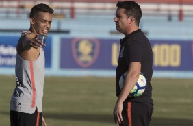 Pedrinho e Loss durante treino no CT do Fortaleza