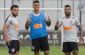 André Luís, Richard e Michel Macedo no treino do Corinthians no CT Joaquim Grava