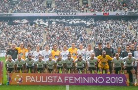 Elenco Feminino durante final do Paulista Feminino 2019