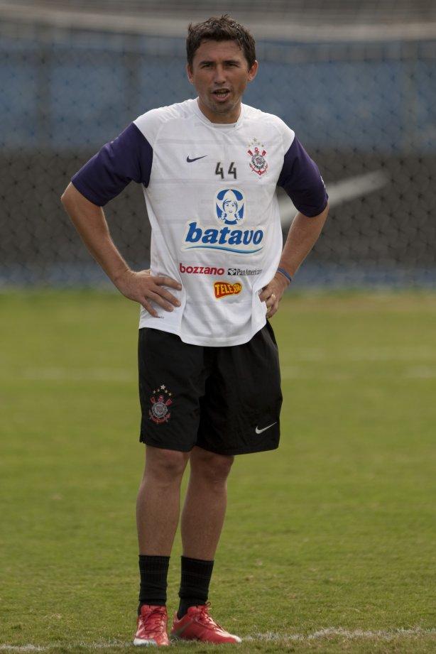 Edgar Balbuena durante o treino do Corinthians realizado esta manhã no  Parque São Jorge  o próximo jogo do time será domingo 7246918cb2881