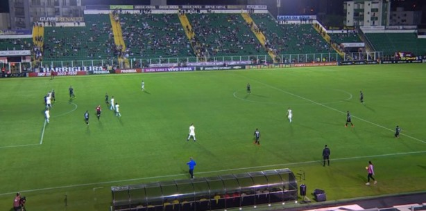 Gol irregular de Rafael Moura