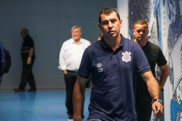 Carille chega ao vestiário da Arena Grêmio para duelo contra os donos da  casa b1e792a04653c