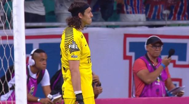 Cássio teve trabalho ao longo dos 90 minutos na Arena Fonte Nova