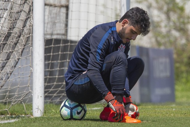 Matheus Vidotto faz último treino no CT antes do dérbi de domingo