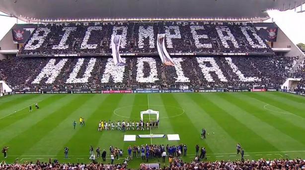 Mosaico com indireta ao Palmeiras foi erguido pela Fiel antes do Dérbi