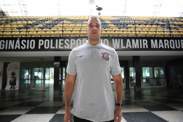 Bruno Savignani é o técnico do novo time de basquete do Corinthians