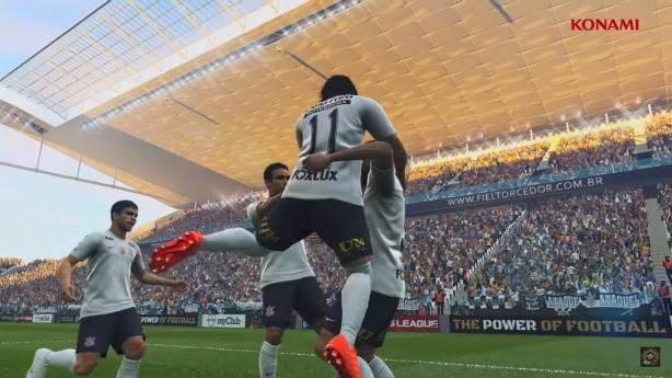 GAMES! - Novidades TGS - Página 11 Romero_aparece_na_comemoracao_de_um_gol_na_arena_v
